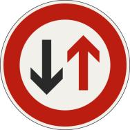 Prednosť protiidúcich vozidiel