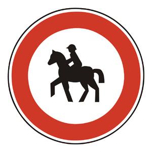 B12: Zákaz vjazdu jazdcov na koňoch