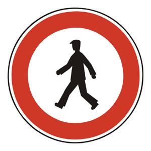 B13: Zákaz vstupu chodcov