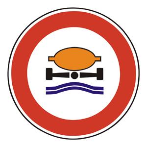B22: Zákaz vjazdu vozidiel prepravujúcich náklad, ktorý môže spôsobiť znečistenie vody